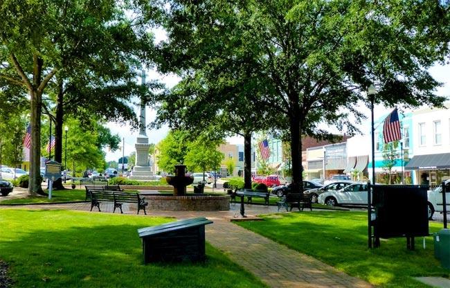 Abbeville Court Square Monument