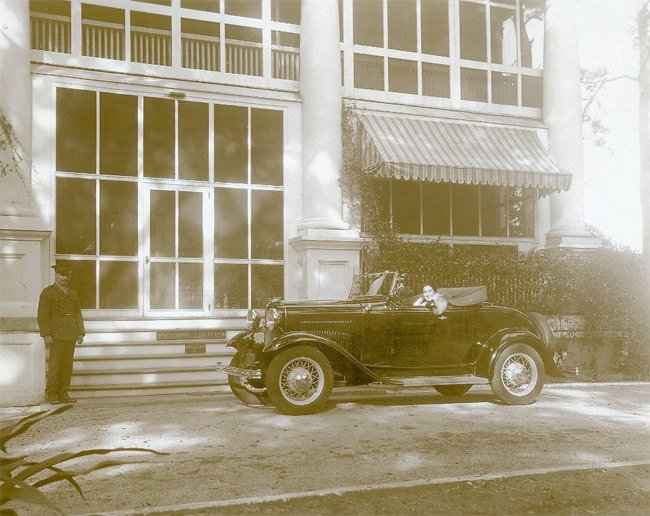 Admiral's House Historical Car