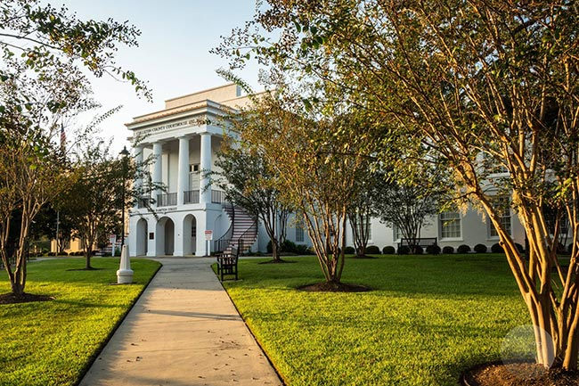 Colleton County Courthouse Walkway