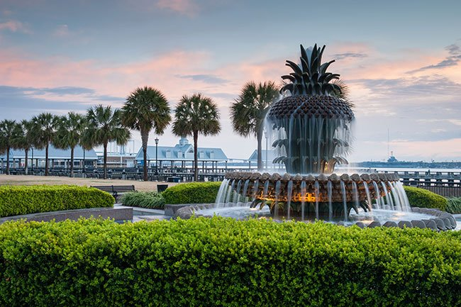 Pineapple Fountain Waterfront Park