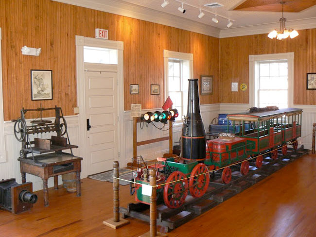 Branchville Depot Best Friend Train Replica