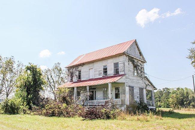 Abandoned Warren Farmhouse