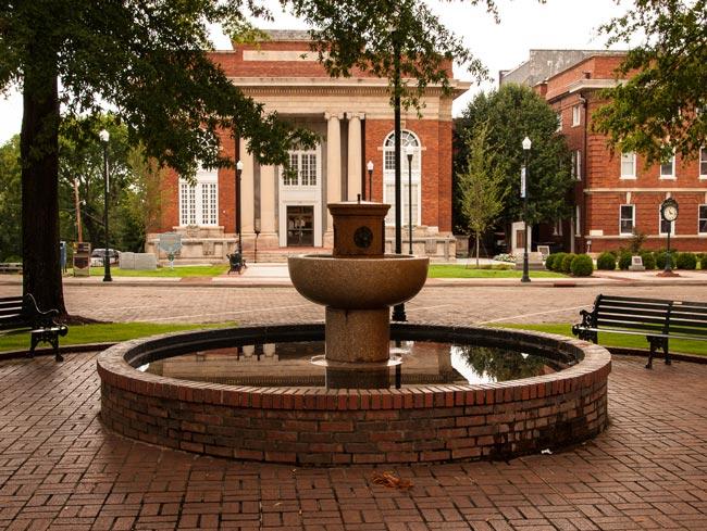 Abbeville Court Square Fountain