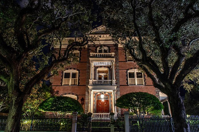 Calhoun Mansion at Night