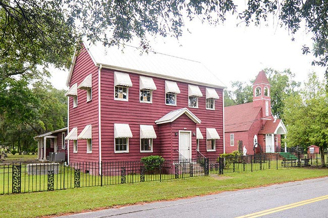 Catholic Hill Schoolhouse