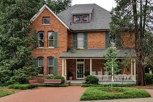 Clemson University Trustee House