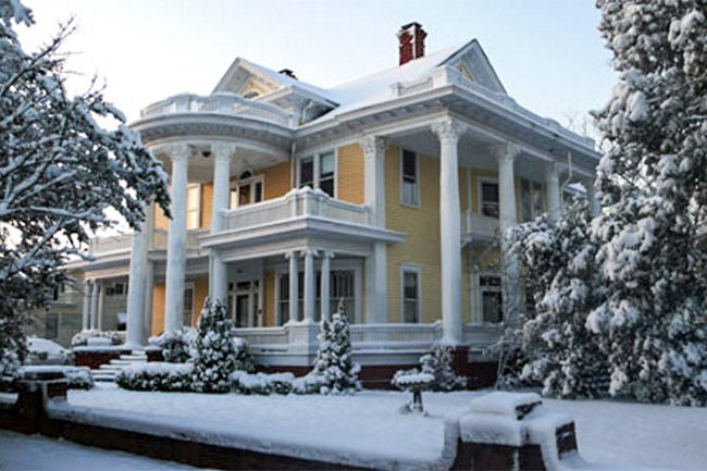 Colonel Banks House in Snow