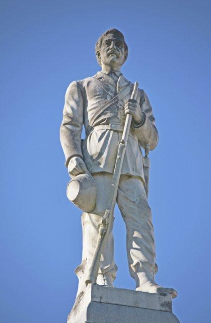 Confederate Statue Williamsburg Courthouse