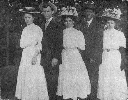 Daughters of C. H. Ellis