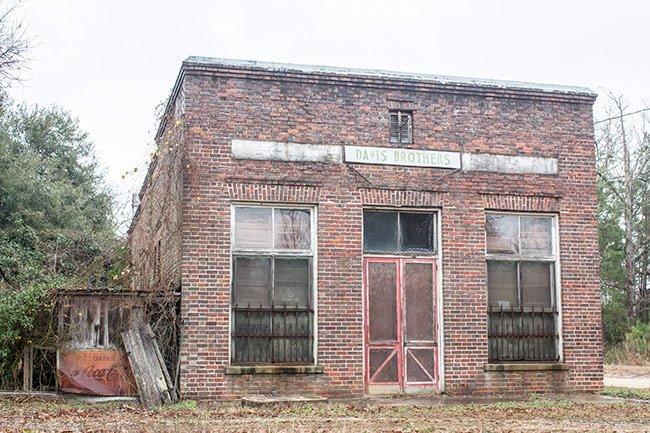 Davis Store Ella's Grove Plantation