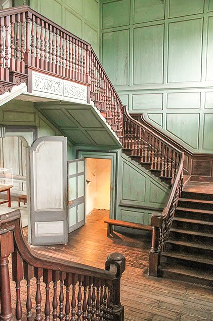 Drayton Hall Staircase