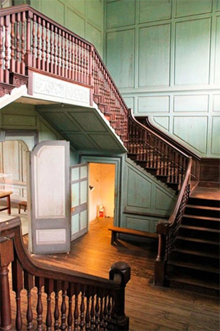 Drayton Hall Staircase