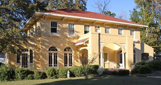 Fuller House in Barnwell, SC