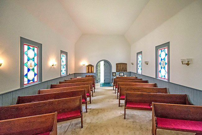 Interior of Temple Beth El in Camden SC
