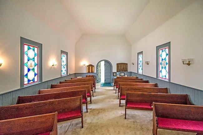 Interior of Temple Beth El in Camden SC