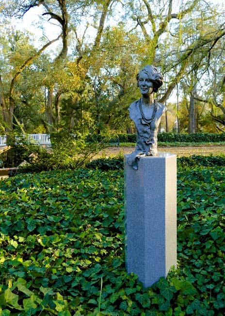 Iselin Statue at Hopeland Gardens