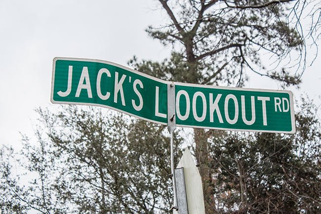 Jack's Lookout Rd Sign