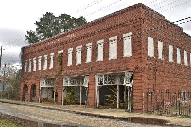 Kineen Hotel - Mayesville, South Carolina