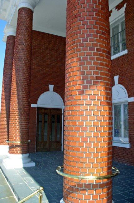 Lake City First Baptist Column