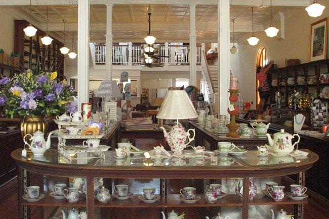Laura's Tea Room