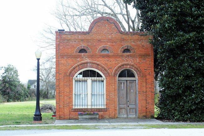 Lowndesville Bank