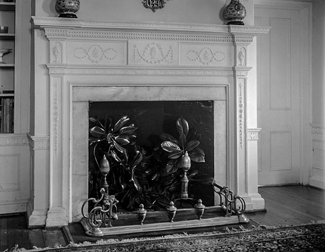 Marshalnds House, Fireplace Mantle