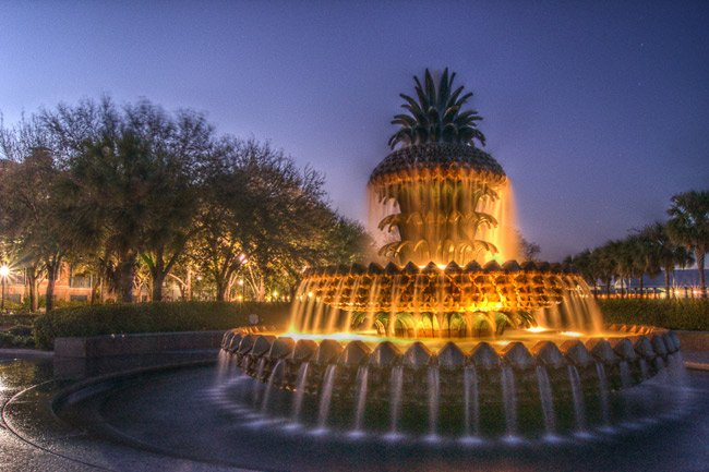 Pineapple Fountain at the Waterfront Park