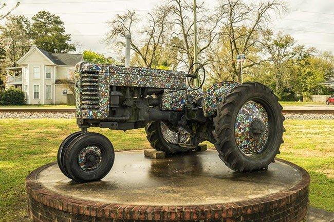 Ridge Spring Glass Tractor
