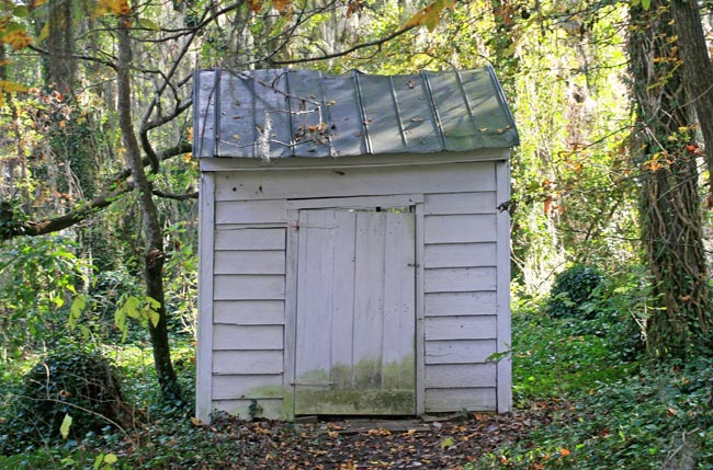 Salem Black Rivre Outhouse