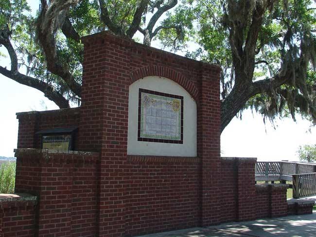 Ribaut Monument