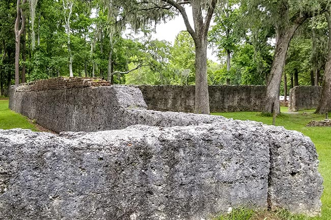 Fort Dorchester Wall