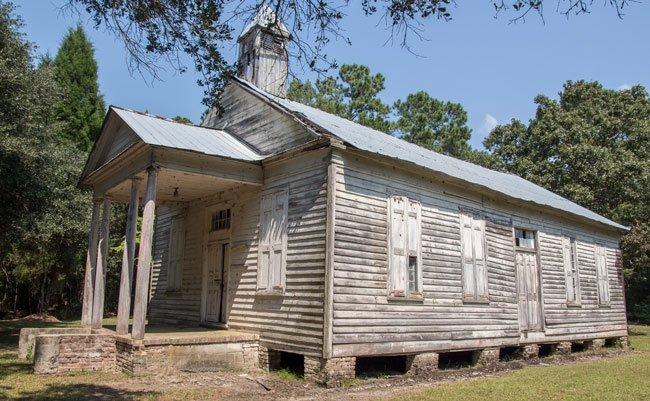 Taveau Church Side