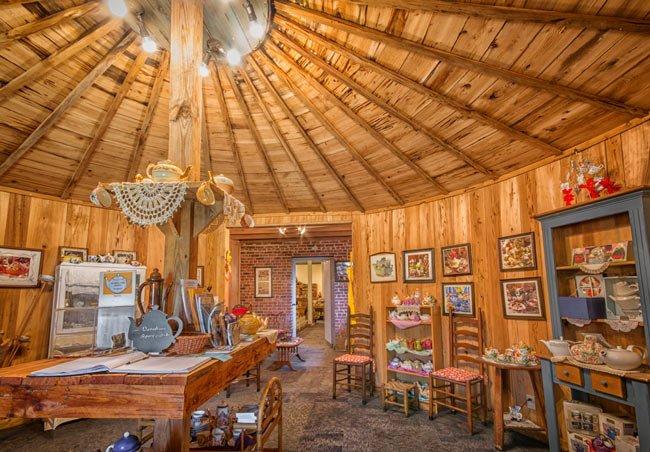 Teapot Museum Elloree Interior