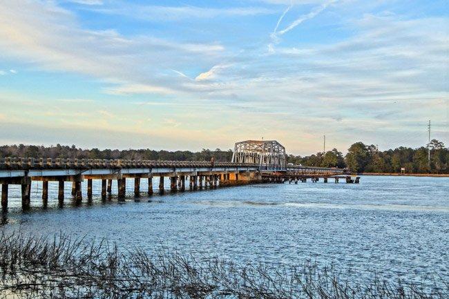 Wando Swing Bridge