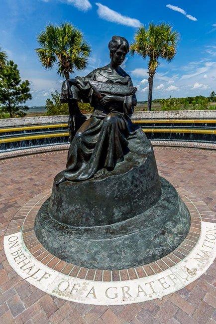 war Memorial Waterfront Park